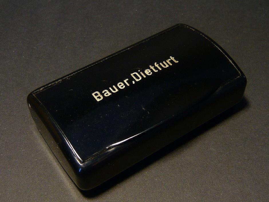 Bakelitdose mit Innenaufdruck der Tabakfabrik Pöschl