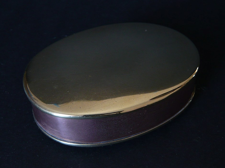 Tabatiere aus Kupfer-Messing
