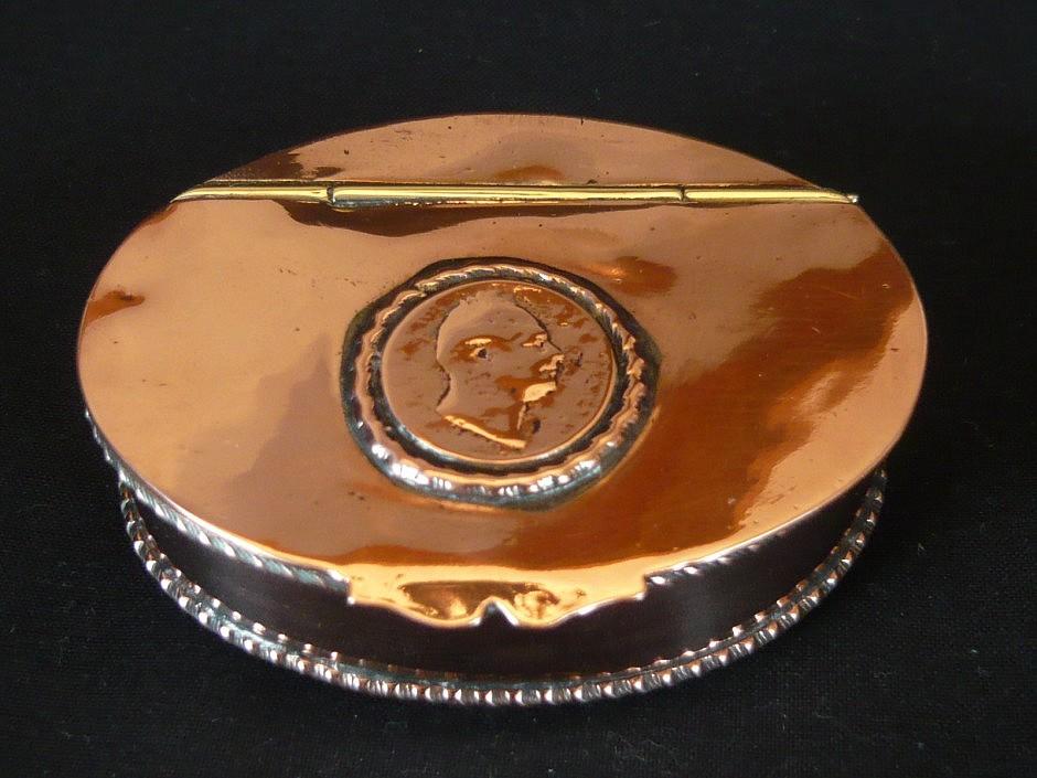 Schnupftabakdose aus Kupfer