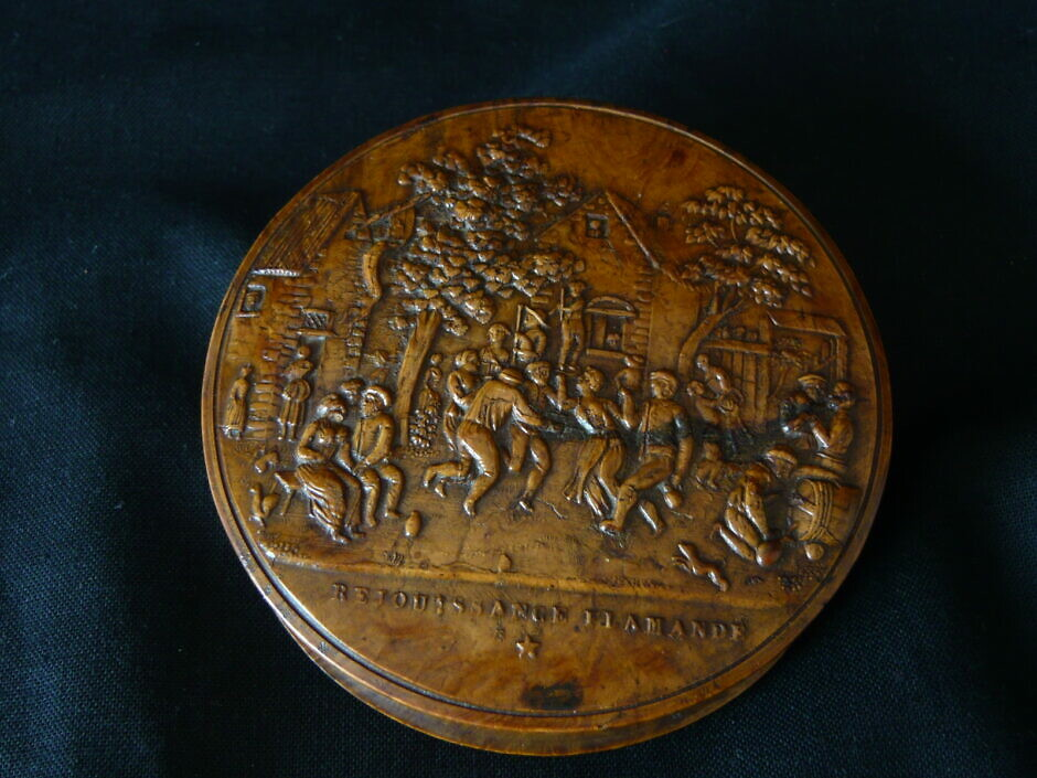 Antike Maserholztabatiere
